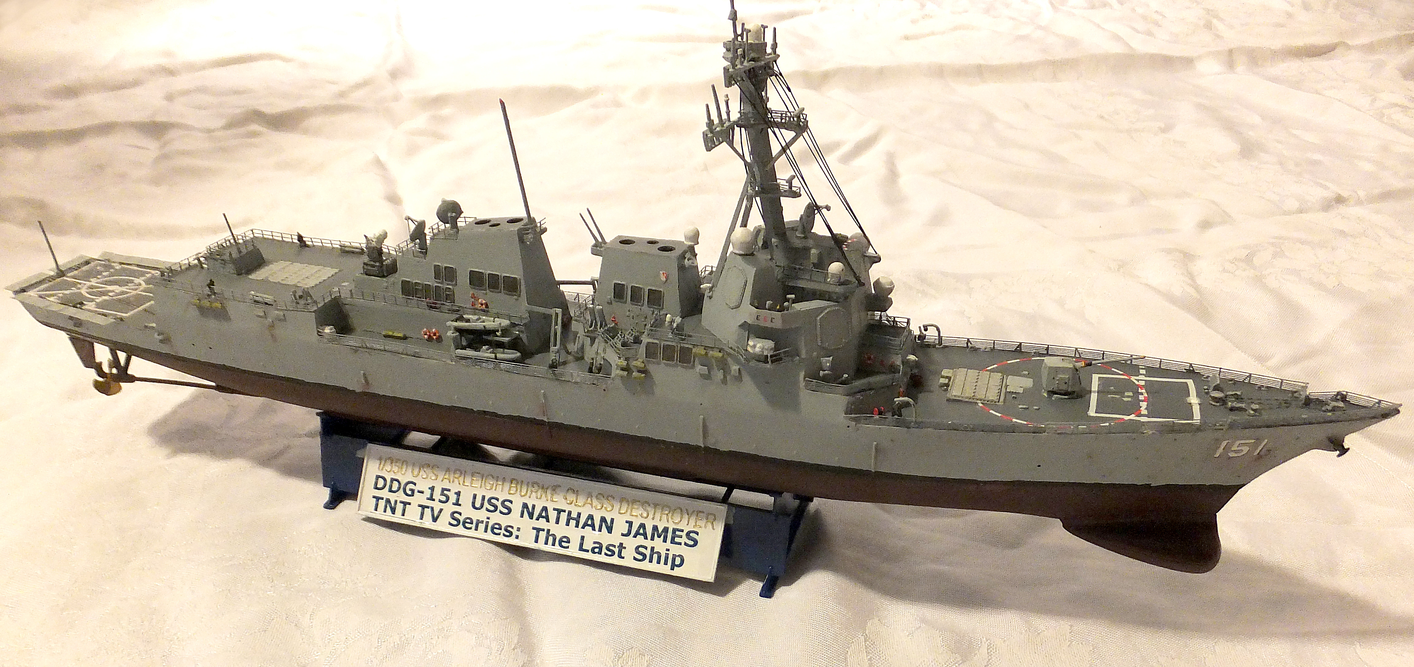Trumpeter Arleigh Burke Class Guided Missile Destroyer