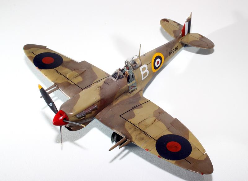 Spitfire F.Mk. Vll - ITALERI 1318 - Maquette - bg