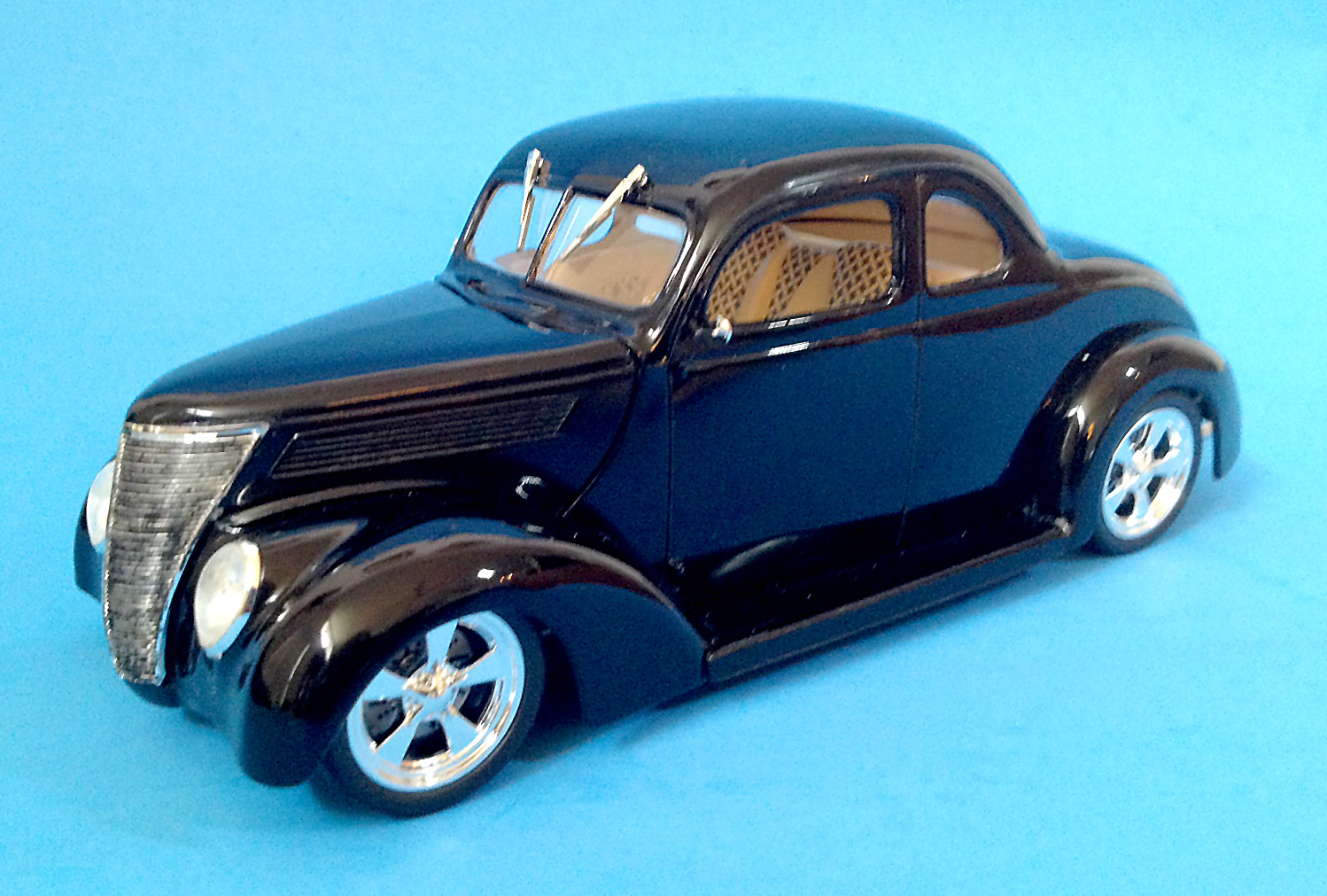 Revell 37 Ford Coupe April 2018 Finescale Modeler Essential