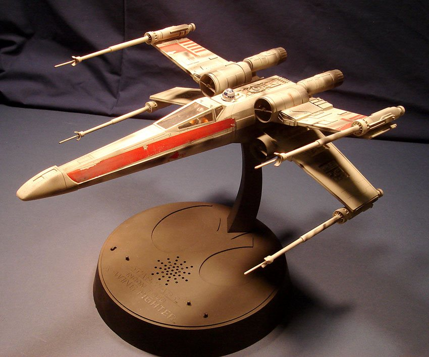 AMT/Ertl electronic X-wing Fighter - FineScale Modeler - Essential